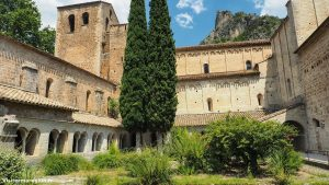 Abbaye De Gellone Saint Guilhem Le Desert 6