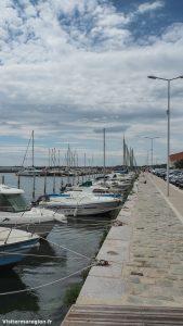 Promenade Sur Le Port De Bouzigues 1