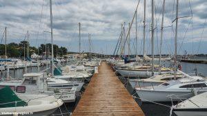 Promenade Sur Le Port De Bouzigues 3